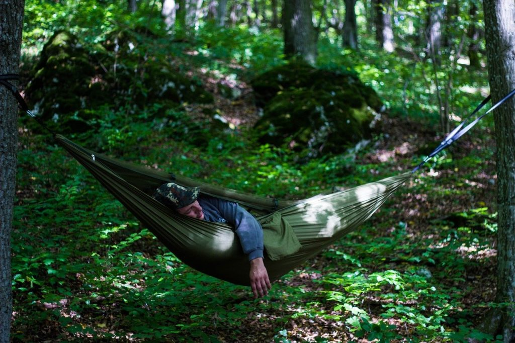 side sleeping in a hammock